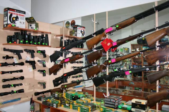 Arma a fost importata din rusia documente in regulain complect vine, arma, husa
