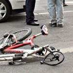 Băiat de 10 ani din Aiud acroşat de un autoturism în timp ce se deplasa pe bicicletă