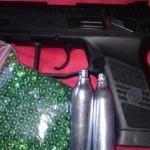 O tânără din Rădești a tras dintr-o mașină cu un pistol airsoft asupra unui pieton în Alba Iulia
