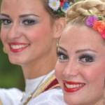 Dansuri, muzică şi frumuseţe la cea de-a treia ediţie a Festivalului Internaţional de Folclor de la Aiud