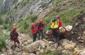 Un alpinist în vârstă de 36 de ani și-a pierdut viața după ce a căzut de pe o stâncă în Cheile Vălișoarei