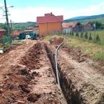 În întreg judeţul, lucrările de reabilitare şi extindere a reţelelor de apă şi canalizare merg satisfăcător