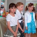 Trei fetiţe din Aiud au realizat o carte de colorat