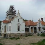 """Primii oaspeţi au trecut pragul Centrului cultural """"Castel Sâncrai"""""""