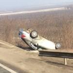 Un autoturism a ieșit de pe DN1, în apropiere de Aiud, și s-a răsturnat în șanț după ce șoferul a adormit la volan