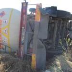 O cisternă încărcată cu kerosen s-a răsturnat pe DN1, la limita dintre județele Alba și Cluj