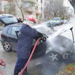 Intervenție a pompierilor din Aiud pentru stingerea unui incendiu izbucnit la un autoturism