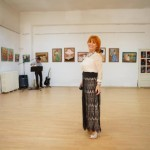 """Zeci de persoane au participat la vernisajul expoziției artistei plastice Rodica Pungea la Centrul Cultural """"Liviu Rebreanu"""" Aiud"""