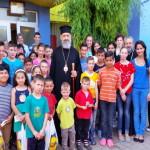 """Copii de la Aşezământul Social """"Sfântul Proroc Ilie Tesviteanul"""" din Aiud l-au avut ca oaspete pe ÎPS Irineu"""