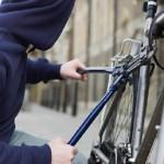 Minor de 13 ani din județul Bihor cercetat de polițiști, după ce ar fi sustras o bicicletă din curtea unei locuințe din Lopadea Nouă