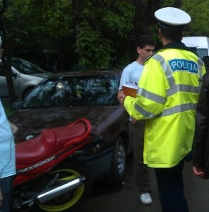 motociclist-oprit-de-politie