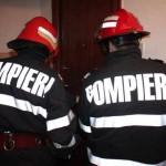 Bărbat cu probleme medicale rămas blocat în apartament salvat de pompierii din Aiud