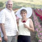 Trandafirul, o afacere de patru generații pentru familia Csiky din Ciumbrud