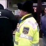 Descindere a Poliției Locale în piața din Aiud în urma sesizării unui cetățean nemulțumit de modul în care se desfășoară comerțul în zonă