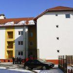 Primăria Aiud anunță ca în blocul ANL P2F, de pe strada Ecaterina Varga, sunt disponibile cinci locuințe pentru tineri. Vezi detalii