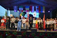 """A început cea de-a VII-a ediție a Festivalul folcloric de la Aiud. Ansamblul din Polonia a surprins spectatorii cu melodia """"Cui nu-i place dragostea"""""""
