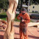Lucrare monumentală din lemn, realizată de artistul aiudean Ștefan Balog, prezentată la Rezidența Internațională de Artă DFEWA din Mallnitz, Austria