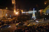 Municipalitatea din Aiud a început să monteze iluminatul ornamental pentru sărbătorile de iarnă 2017-2018