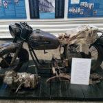 Trei deținuți încarcerați, la mijlocul anilor '50, în Penitenciarul Aiud au conceput și construit o motocicletă a cărei motor putea dezvolta 8000 rotații pe minut