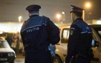 Doi bărbați din Aiud au fost reținuți de polițiști pentru tulburarea liniștii și ordinii publice, după ce s-au luat la bătaie în fața unui local din municipiu
