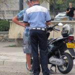 Tânăr de 21 de ani din Aiud cercetat de polițiști, după ce a fost surprins în timp ce conducea fără permis un moped neînmatriculat