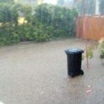 Mai multe gospodării din Rădești au fost inundate, în urma ploii torențiale de astăzi