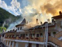 Guvernul României va acorda sprijin, în regim de unregnță, pentru înlăturarea efectelor incendiului de la Mănăstirea Râmeț
