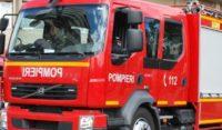 Intervenție a pompierilor militari din Aiud, după ce remorca unui autocamion a luat foc în mers, pe strada Ecaterina Varga