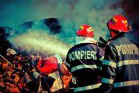 Intervenție a pompierilor din Aiud pentru stingerea unui incendiu izbucnit la o anexă gospodărească din Ciumbrud