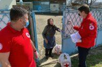 Au fost distribuite cele 176 pachete cu produse de strictă necesitate donate de Crucea Roșie Romănă, către mai multe persoane vulnerabile din Aiud